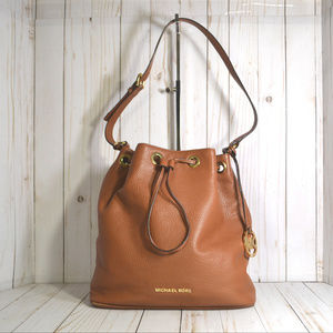 Micheal Kors Jules Drawstring Bucket Bag Purse